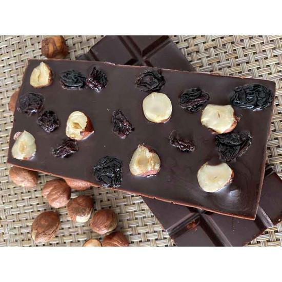 Dark Chocolate with Dried Strawberries, Pumpkin Seeds and Cashews